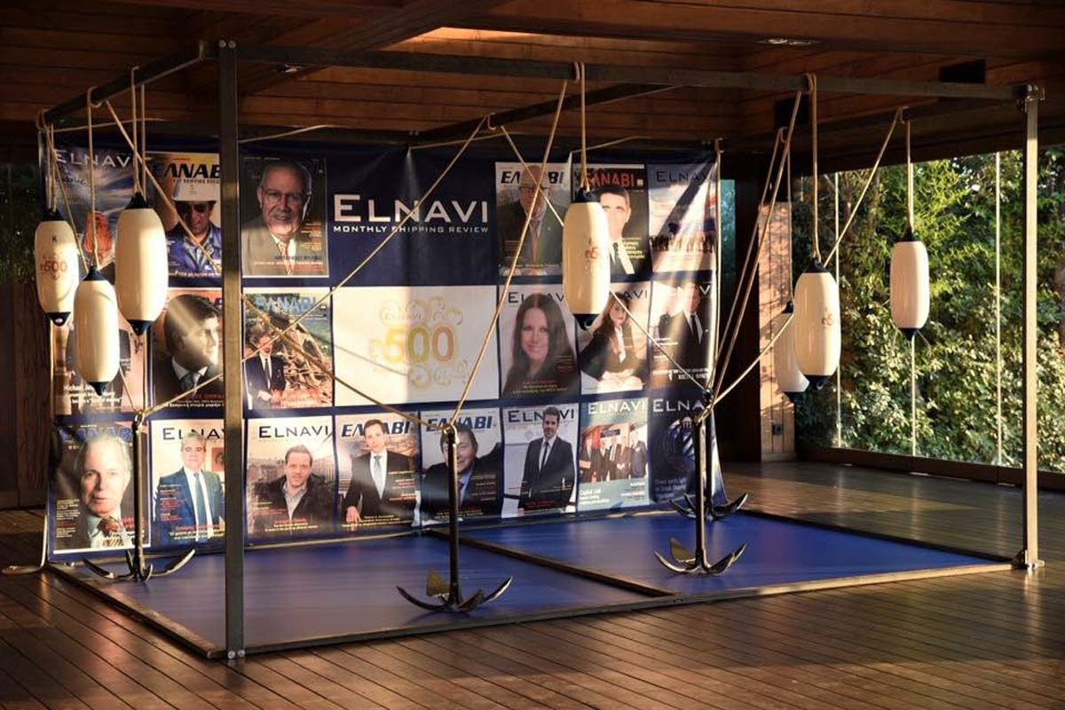 Installation for the 500 Issues Anniversary of Elnavi magazine.
